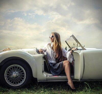 Картина старинных автомобилей