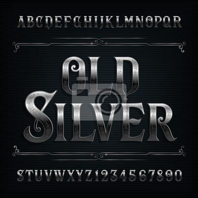 Винтажный шрифт с серебряным алфавитом. Старые буквы и цифры металлического эффекта. Фондовый векторный шрифт для вашего дизайна.