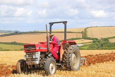 Картина Урожая тракторная вспашка