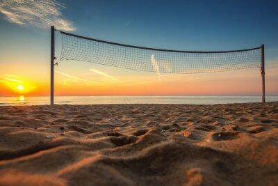 Картина Волейбольная сетка и восход солнца на пляже