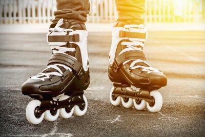 Картина ходить на роликовых коньках для катания