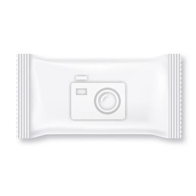 Белый пакет влажных салфеток на белом фоне. Готов для вашего дизайна. Коллекция Упаковка.