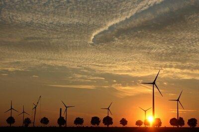 Картина Aufbau им ветряных энергоустановок бей Sonnenuntergang мит Cirrocumuluswolken