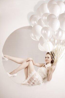 Картина Женщина с воздушными шарами в руках