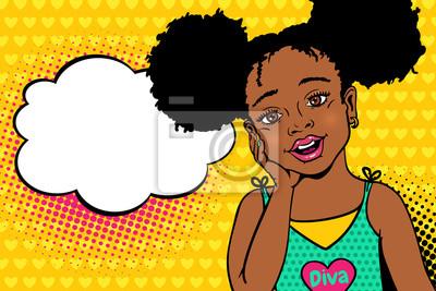Ничего себе поп-арт дети сталкиваются. Счастливый удивлен мало афро-американских девушка с открытым ртом и afro прическа и пустой пузырь речи. Вектор красочный фон в стиле поп-арт в стиле ретро комикс