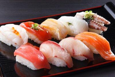 Картина に ぎ り 寿司 の 盛 り 合 せ