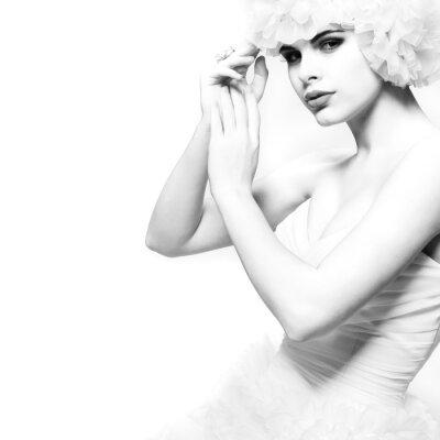 Фотообои Красивая сексуальная девушка находится в Свадебные платья, свадебный декорацией