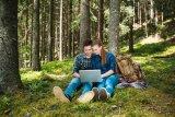 Парни отдыхают в лесу — pic 6