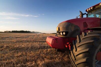 Фотообои Сельское хозяйство трактор на стерне