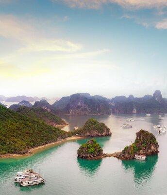 Фотообои Удивительные назначения путешествия в Азии - Халонг экзотический море и острова в северном Вьетнаме