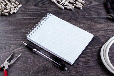 Антенна штекер, ноутбук, и инструменты