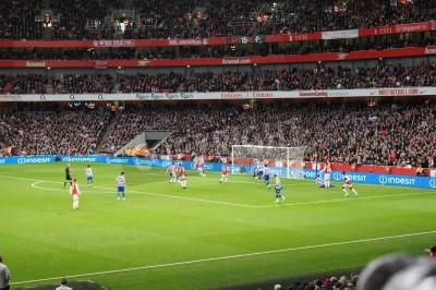 Фотообои Арсенал победы 1-0 против королевы Парк Рейнджерс