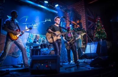 Фотообои Группа выступает на сцене, концерт рок-музыки