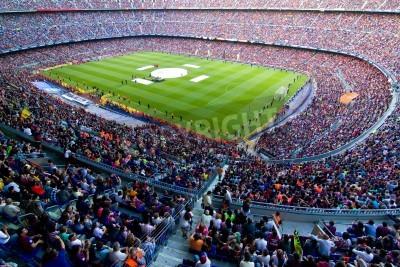 Фотообои БАРСЕЛОНА, ИСПАНИЯ - 13 мая 2011 года: Неизвестные сторонники ФК Барселона праздновать победу испанской лиге чемпионата в Камп Ноу стадиона.