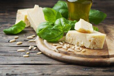 Фотообои Базилик, сыр, сосна и оливковое масло на деревянный стол