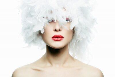 Фотообои Красивая девушка в белых перьях. Составить