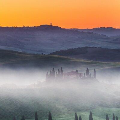 Фотообои Красивая Тоскана пейзаж на рассвете, Италия