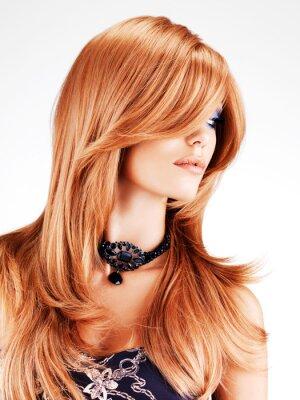 Фотообои Красивая женщина с длинными красными волосами