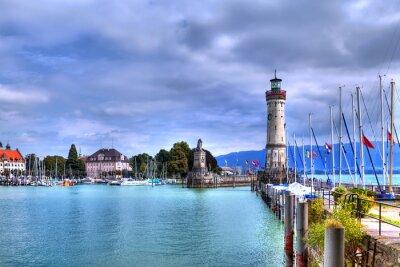 Фотообои Blick Auf ден Порт Auf Der Insel Линдау фон Бодензее им Süden Deutschlands мит дем historischen Leuchtturm.