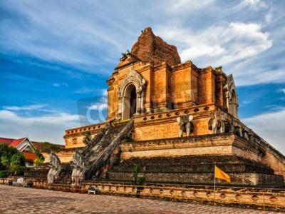 Фотообои Буддийский храм Ват Чеди Луанг. Чиангмай, Таиланд