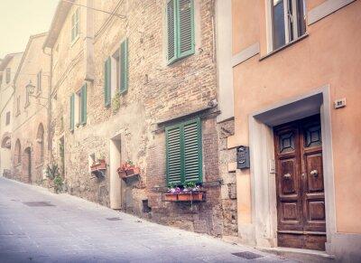 Фотообои Увлекательная улица старого Монтепульчано