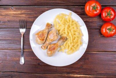 Куриные ножки жареные с вермишелью и овощами