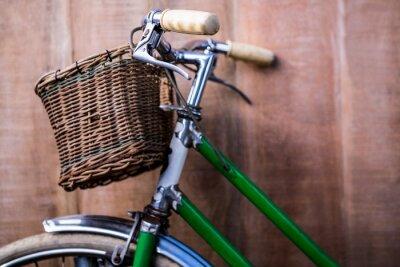 Фотообои Крупным планом вид из старого зеленого велосипеда
