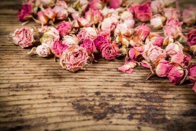 Фотообои Крупным планом сухих роз на деревянном фоне