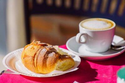 Фотообои кофе с круассаном