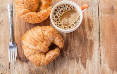 Фотообои Круассан и кофе на завтрак на старый деревянный стол