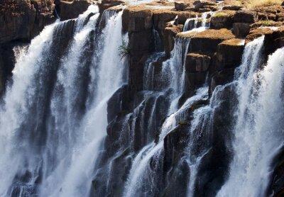 Фотообои Деталь падающей воды водопада Виктория. Крупным планом. Моси-оа-Tunya Национальный парк. и Всемирного наследия. Zambiya. Зимбабве. Отличной иллюстрацией.