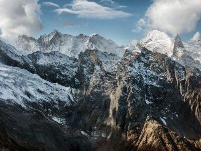 Фотообои Домбай. Декорации Скалистых гор в Кавказском регионе в России