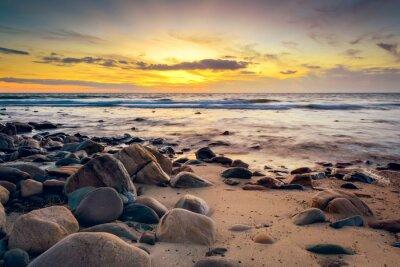 Фотообои Драматические Закат на скалистом побережье