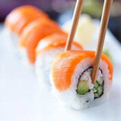 Фотообои есть суши с chopstricks