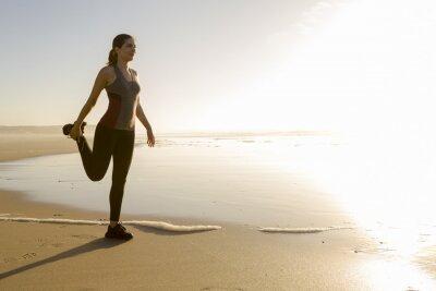 Фотообои Физические упражнения на пляже
