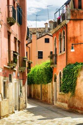 Фотообои Фасады старых домов на улице Градиска Каннареджо в Венеции