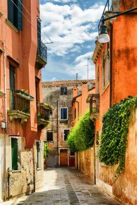 Фотообои Фасады старых домов на улице Градиска Каннареджо, Венеция