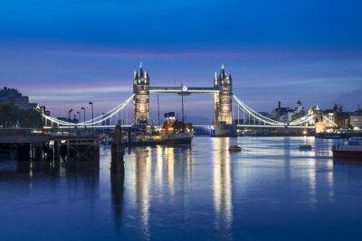 Фотообои Знаменитый Тауэрский мост ночью, Лондон, Англия, Великобритания