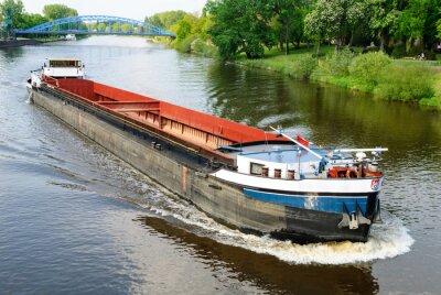Фотообои Грузовое судно на реке Везер в Nienburg