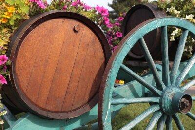 Фотообои Французское вино села виноградника бочки вина и корзина.