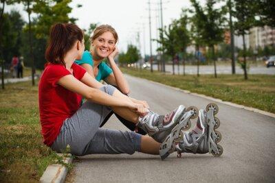 Фотообои Друзья отдыхают после тренировки