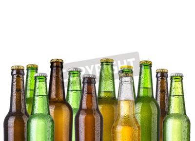 Фотообои Морозные бутылки пива, изолированных на белом фоне