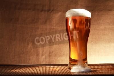 Фотообои Полный стакан свежести пива с пеной на столе сером фоне холст