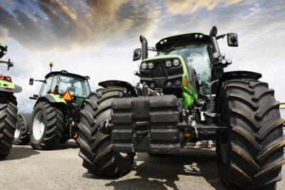 Фотообои гигантские тракторы установите на небо и облака заката