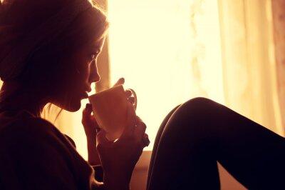 Фотообои Девушка и кофе по утрам