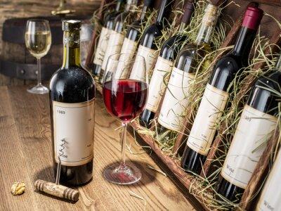 Фотообои Стакан вина и бутылку вина.
