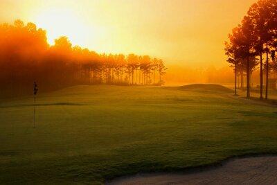 Фотообои Поле для гольфа на рассвете