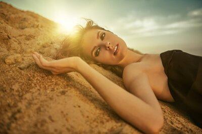 Фотообои gorgeous woman on the sand