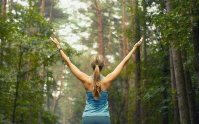 Фотообои здоровый образ жизни фитнес-спортивный женщина в начале площади лесов