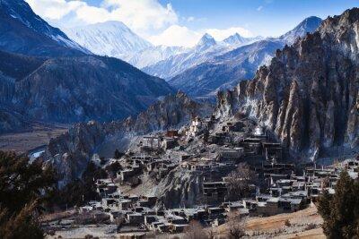 Фотообои Гималаи горы в Непале, вид маленькой деревни Брага на Аннапурну цепи